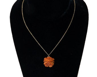 Vintage 1930s Bakelite Rose Pendant Necklace