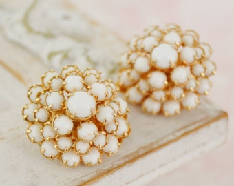 Vintage Clip-On Earrings in Gold with White Milk Glass