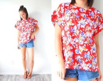 Vintage boho red floral top // summer blouse // short sleeve slouchy top // silky summer shirt // floral blouse // floral shirt // summer