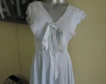 1950s Henson Nightgown Size 34 / Vintage Light Blue Lace Fitted Nightgown Stunning