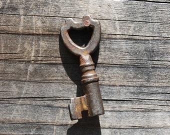 Unique Antique Skeleton Key