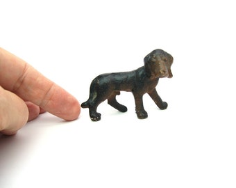 Hubley Hound Dog Figure. Cast Iron Figurine. Painted Black Brown 2 Tone. 1930s Vintage Animal. Paperweight Size. Miniature Bloodhound Puppy