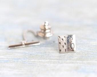 Letter E Tie pin - Vintage Initial Tie Tac