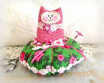Cat Pincushion 5 inches, Green and Pink, Decor Fabric and Cotton Fabric, Primitive Cloth Doll Decoration Soft Sculpture Folk Art