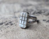 Grid Ring / Southwest Mother of Pearl Ring / Vintage Sterling Silver Jewelry