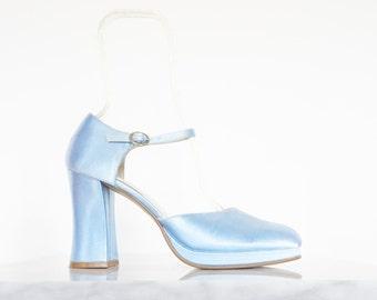 90s Pale Blue Satin Platform Ankle Strap Pumps / Women's Shoes Size 9.5 US - 40 Eur - 7.5 UK
