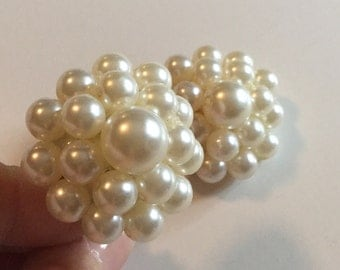 Chunky Faux Pearl Bead Vintage Earrings Clip on Style // Bridal wear