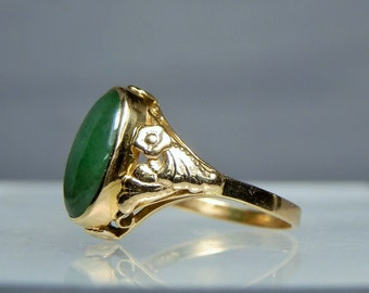 RESERVED Vintage Jade Ring 18k Yellow Gold Natural Nephrite Green Jade Cabochon 3.35 grams Size 7.5 Ornate Design Setting DanPickedMinerals