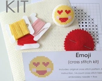 KIT | Emoji cross stitch button | Heart eyes