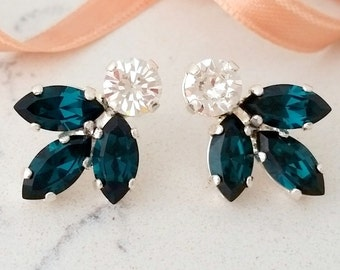 Emerald earrings,Bridal crystal earring,Emerald stud earring,Bridesmaid gift,Petite crystal earring,Emerald Cluster earring,Vintage earrings