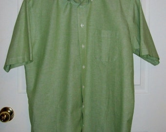 "SALE 60% Off Vintage Men's Green Short Sleeve Shirt by Stafford Large 16 1/2"" Neck Now 2 USD"