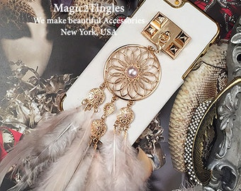 Stunning and Beautiful Classic Leather Gold Freame Gold Plated Wristlet Wrist Chain Faux White Pearls Charms Tassel Studs Case For iPhone 6s