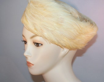 """Vintage 'DEBORAH EXCLUSIVE"""" Assymetrical Pillbox Hat Women's Feathered Hat Union Made"""