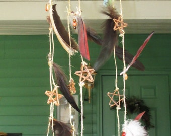 Natural Feather & Grapevine Star Mobile
