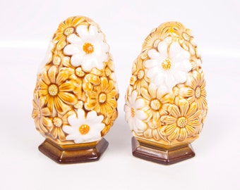 Vintage Daisy Salt Pepper Shakers Fred Roberts Made in Japan Retro Kitchen 1970s