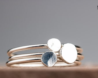 Pebbles Stacking Ring Set - Three smooth pebble stacking skinny rings in solid Sterling Silver - Made in your size - Silver stack ring set