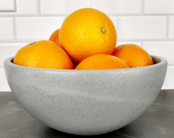 Concrete Fruit Bowl / Concrete Bowl / Kitchen Bowl / Modern Kitchen Decor / Kitchen Table Decor / Countertop Display / Fruit Platter