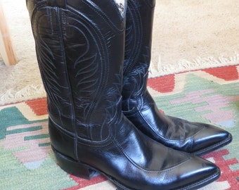 Black Western cowboy boots size 81/2 B Mustang El Paso Texas boots all leather square dancing boots western wear riding boots#blackboots