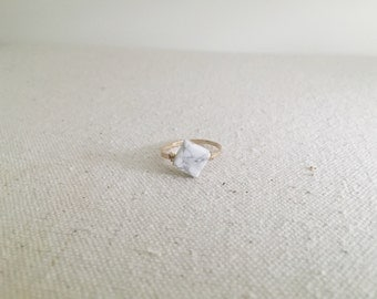 White Marble Hammered Gold Ring // 14k Gold Filled Ring