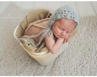 Newborn bonnet , knitted baby bonnet