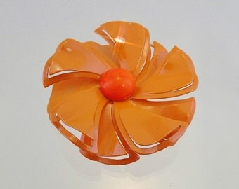 FREE Shipping Vintage Pearlecent Peach Enamel Flower Power Brooch Pearly Orange Floral Pin
