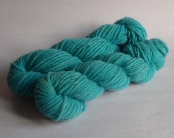Turquoise 'Presidential' Blue Semi Solid Chunky Single Ply Wool Yarn 50g
