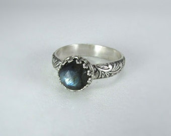Labradorite ring on floral sterling silver band - labradorite jewelry - sterling silver ring labradorite - silver labradorite ring