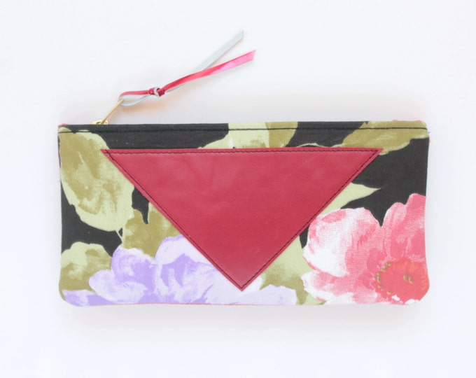 SALE / Cotton pouch-natural leather pouch-floral fabric-red green black-make up bag-cosmetic purse-bag organizer-small purse /FLARE 113
