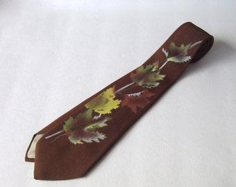 Autumn Leaves Painted Necktie . Sierra Tones by Hollyvogue . California . vintage 40s 50s painted leaf tie