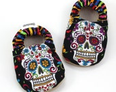 dia de los muertos baby shoes day of the dead shoes skull baby shoes mexican baby booties sugar skull shoes black slippers baby shoes skulls