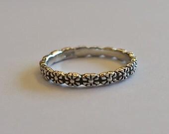 Vintage 925 Sterling Silver Flower Stacking Ring