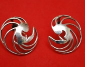 Sterling Silver Round earrings Modern Swirl Clip on signed sterling MHL