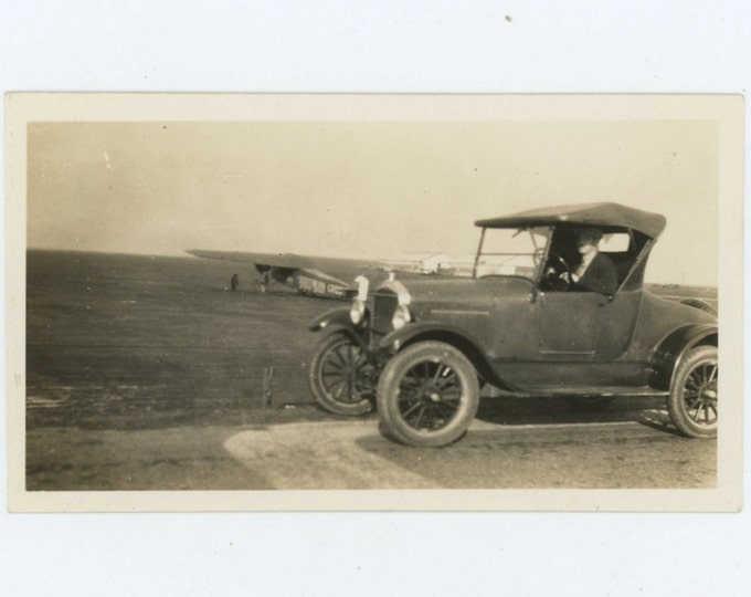 Southern Cross Airplane, '26 Ford @ Oakland Airport, Dec 1927 Vintage Snapshot Photo (66479)