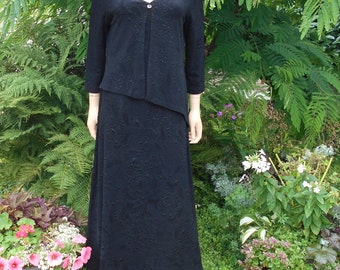 CONNECTED APPAREL V Neck Embossed Knit Maxi Dress, Inset Front Angled Bodice Layer with Top Button, Cool Black Color, Size 12