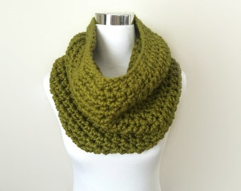 lemongrass chunky hand crochet infinity cowl scarf gift or for you