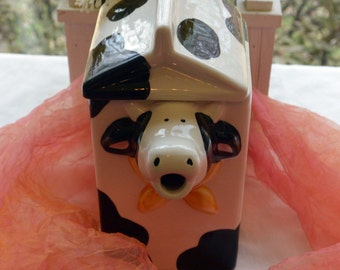 Vintage Cow Teapot - China, Holstein Friesian Cow, Great Decor - 1980's - Fabulous!