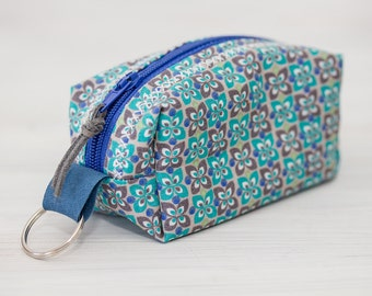 Small zip pouch, green keychain, retro fabric key ring
