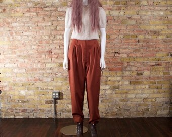chain of fools 90s pleated trousers / high waist / minimalist / rust pants / pleated pants / peg pants / rust trousers / cropped pleated