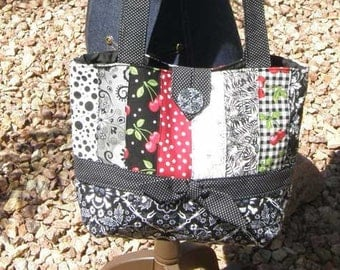 Black  Skulls and Cherries Patchwork Purse