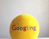 Google it, Googling, Google pillow, geekery pillow, geek pillow, humorous gift, humorous pillow, admin gift, sysadmin gift