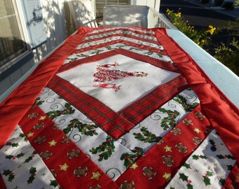 REINDEER at CHRISTMAS TIME  Table Runner