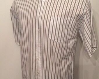 Vintage MENS 1980s Ironwood Trading Company white & black striped short sleeve shirt, size M