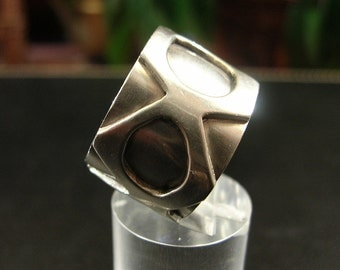 Vintage Sterling Abstract Design Ring