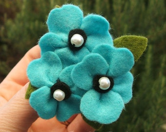 Felt Poppy Brooch, Light Blue Poppy Brooch, Trio of Poppies Pin, Turquoise Felt Flower Jewelry, 8cm Brooch Made to Order
