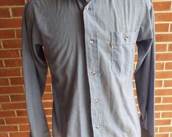 Vintage long sleeve button down shirt by Levis
