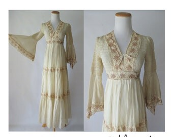 Bell Sleeve Wedding Dress Hippie Boho Lace 70s Angel Wing Maxi Hippy 1970s Smocked Tiered Cream Bohemian Indie Bride Small