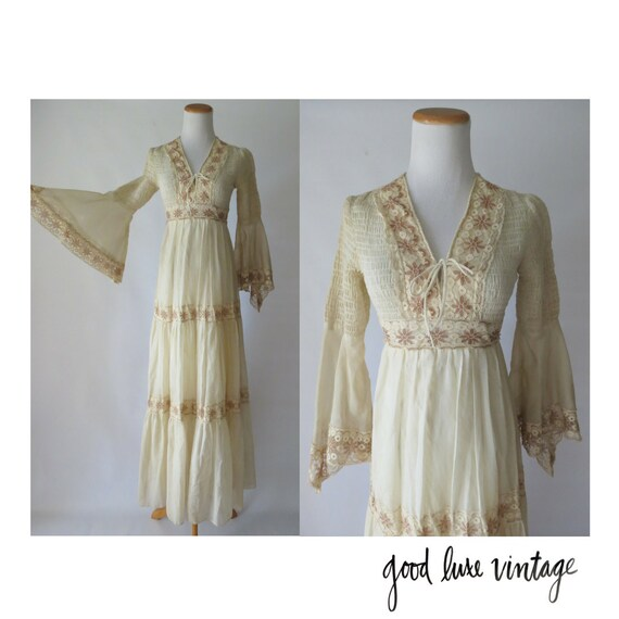 Vintage Wedding Dresses With Bell Sleeves: Bell Sleeve Wedding Dress Hippie Boho Lace 70s Angel Wing Maxi