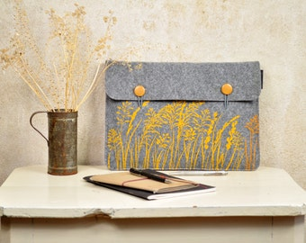 "Laptop Sleeve 13"" MacBook Case for Pro / Air - Floral print - Felt Cover screenprinted Golden grass on light grey - vegan computer bag"