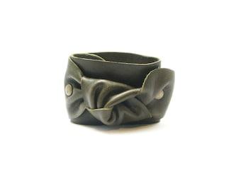 Handmade leather knot bracelet