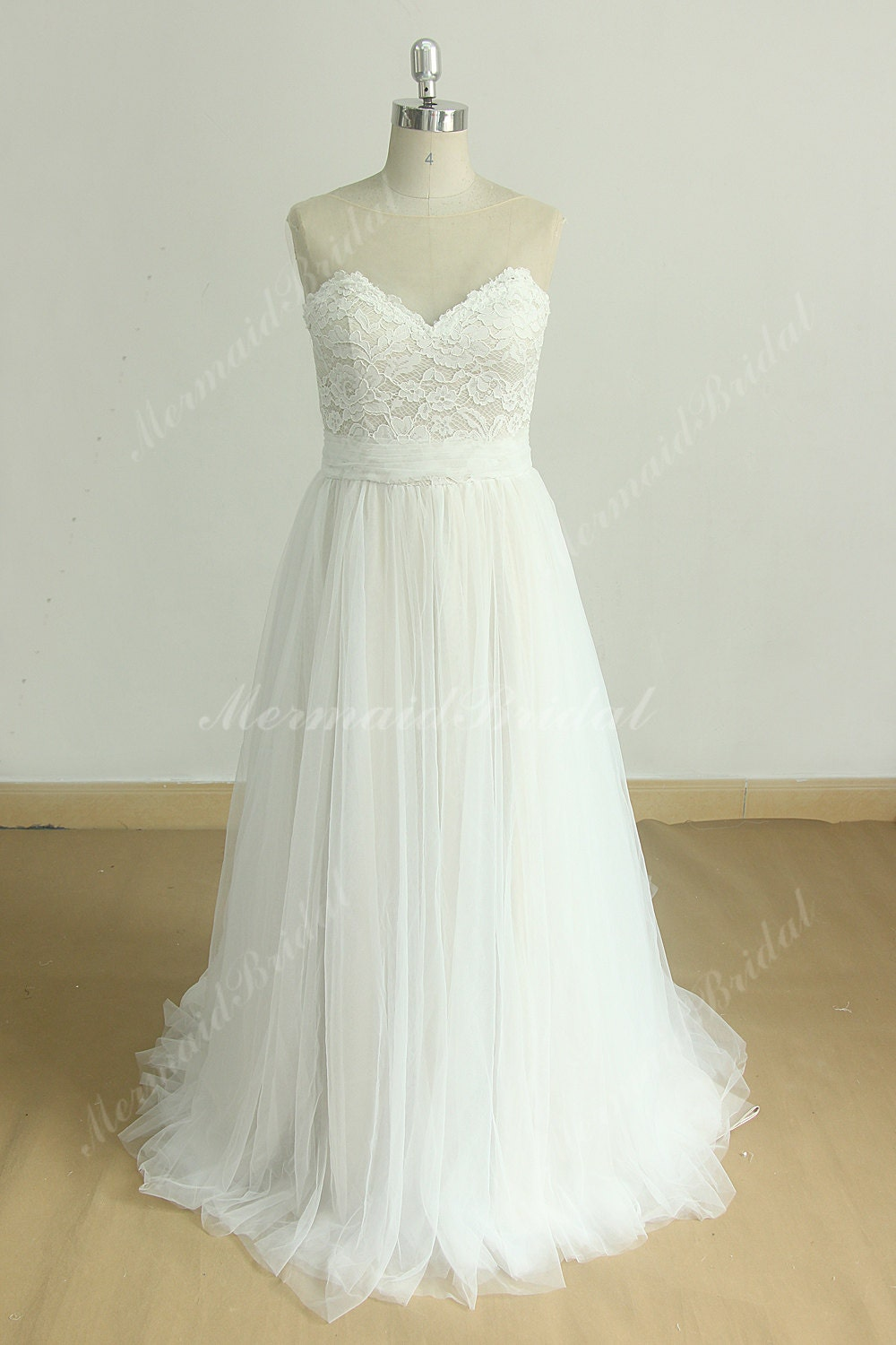 flowy aline tulle lace wedding dress with illusion sweetheart